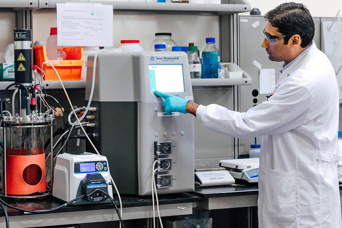 Muhammad Ali tests the effectiveness of the bacteria at treating salinated wastewater