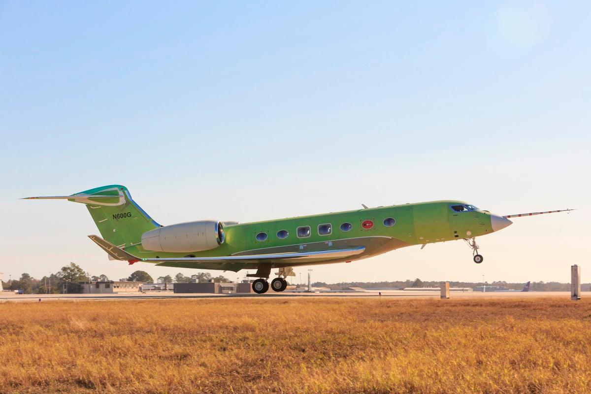 The Gulfstream G600 took to the air without any paint livery