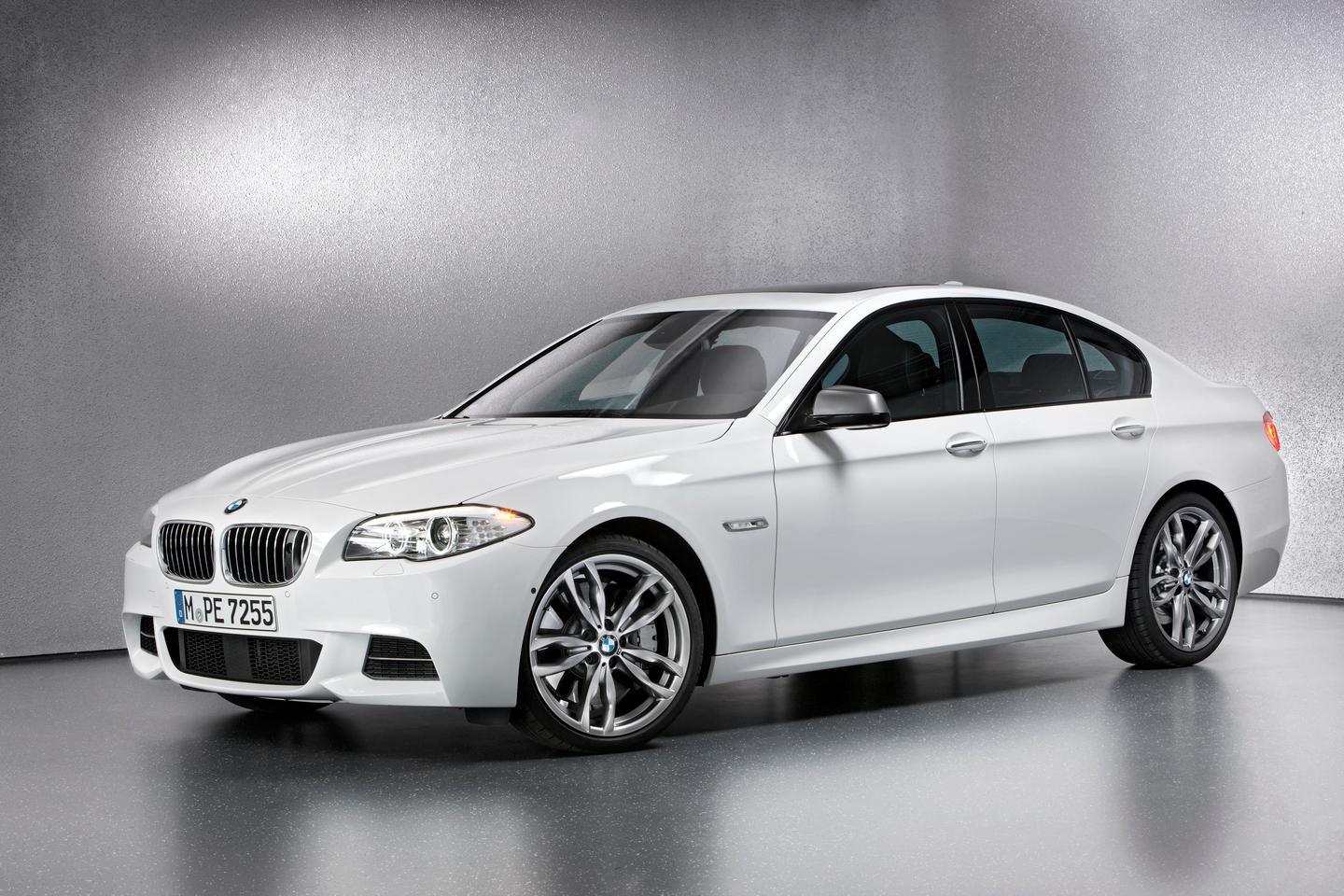 BMW's amazing new 381 bhp 740 Nm 45 mpg triple turbo diesel