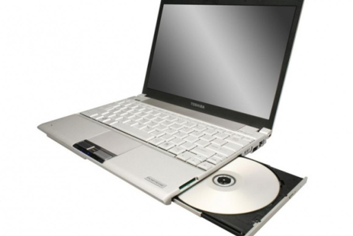 The slim and sexy Portégé R500-S5007V with a 128GB SSD