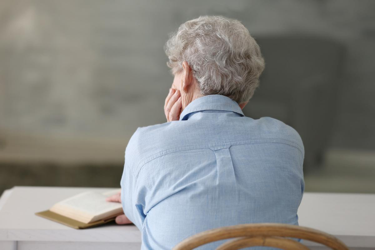 New research builds on prior work suggesting apathy is an early sign of dementia