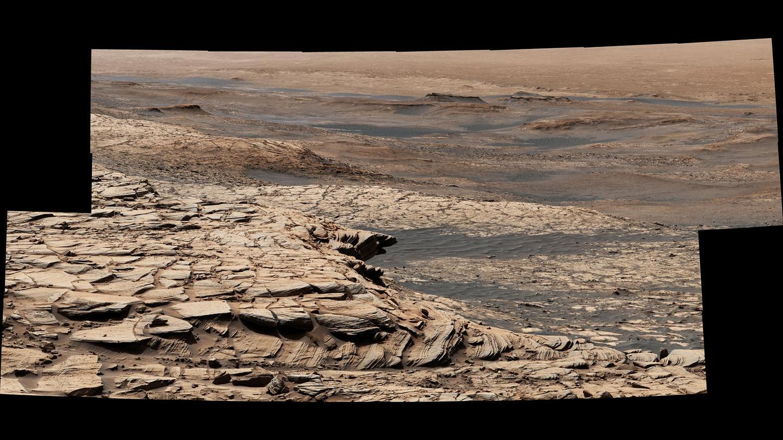Curiosity begins months-long journey to higher ground