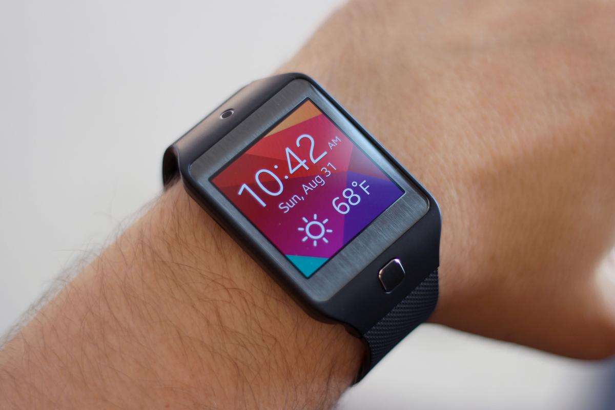 Gizmag turns back the clock to review the Gear 2 Neo (Photo: Will Shanklin/Gizmag.com)