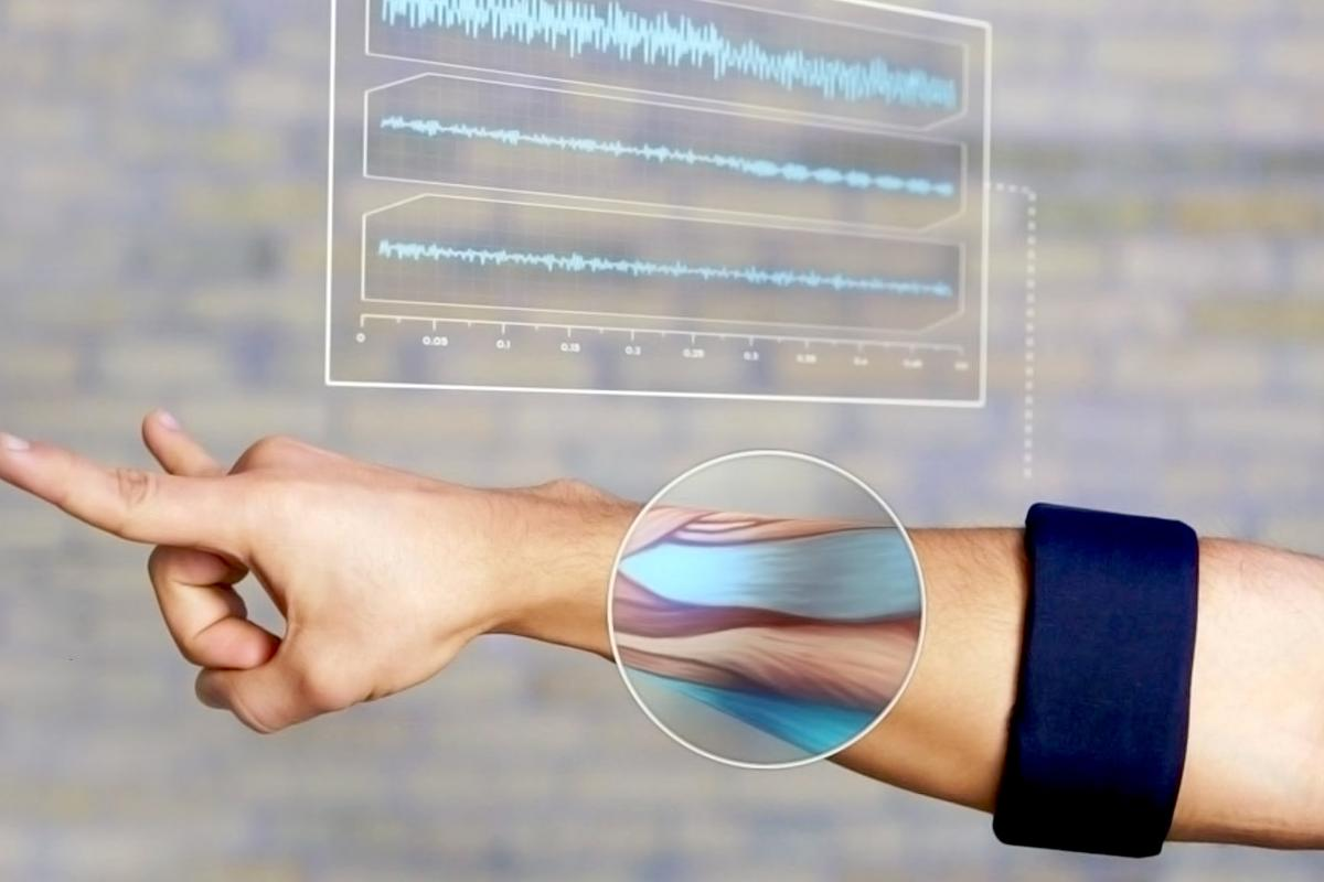 Thalmic Labs' MYO lets you control computers via one-armed gestures