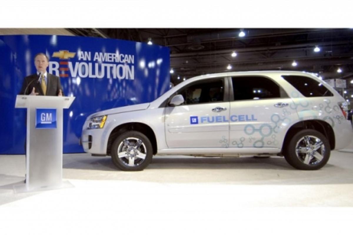 Chevrolet Equinox Fuel Cell crossover SUV