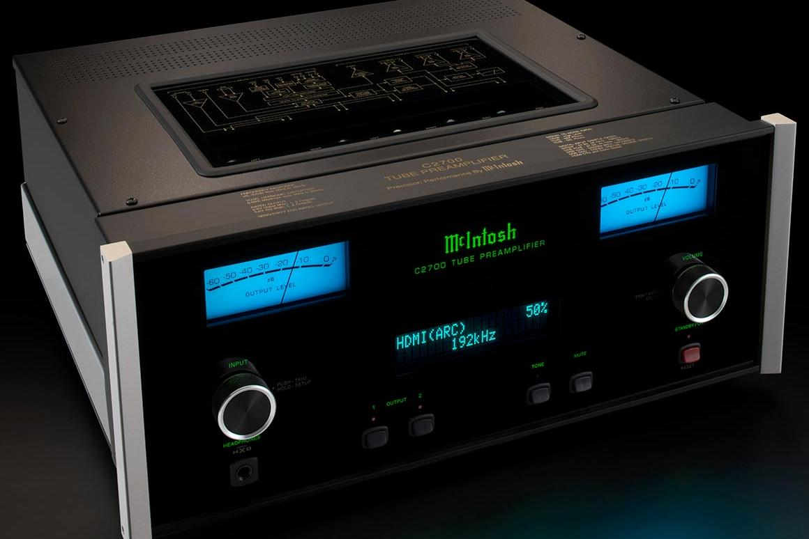 The C2700 preamp features the new DA2 Digital Audio Module and an analog circuit with six vacuum tubes