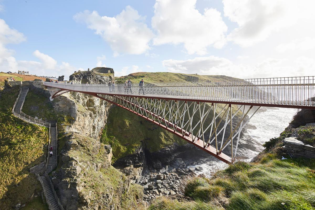 Tintagel Castle Footbridge was designed by Ney & Partners and William Matthews Associates and is located in Cornwall. The project is one of six to feature in the 2021 RIBA Stirling Prize shortlist
