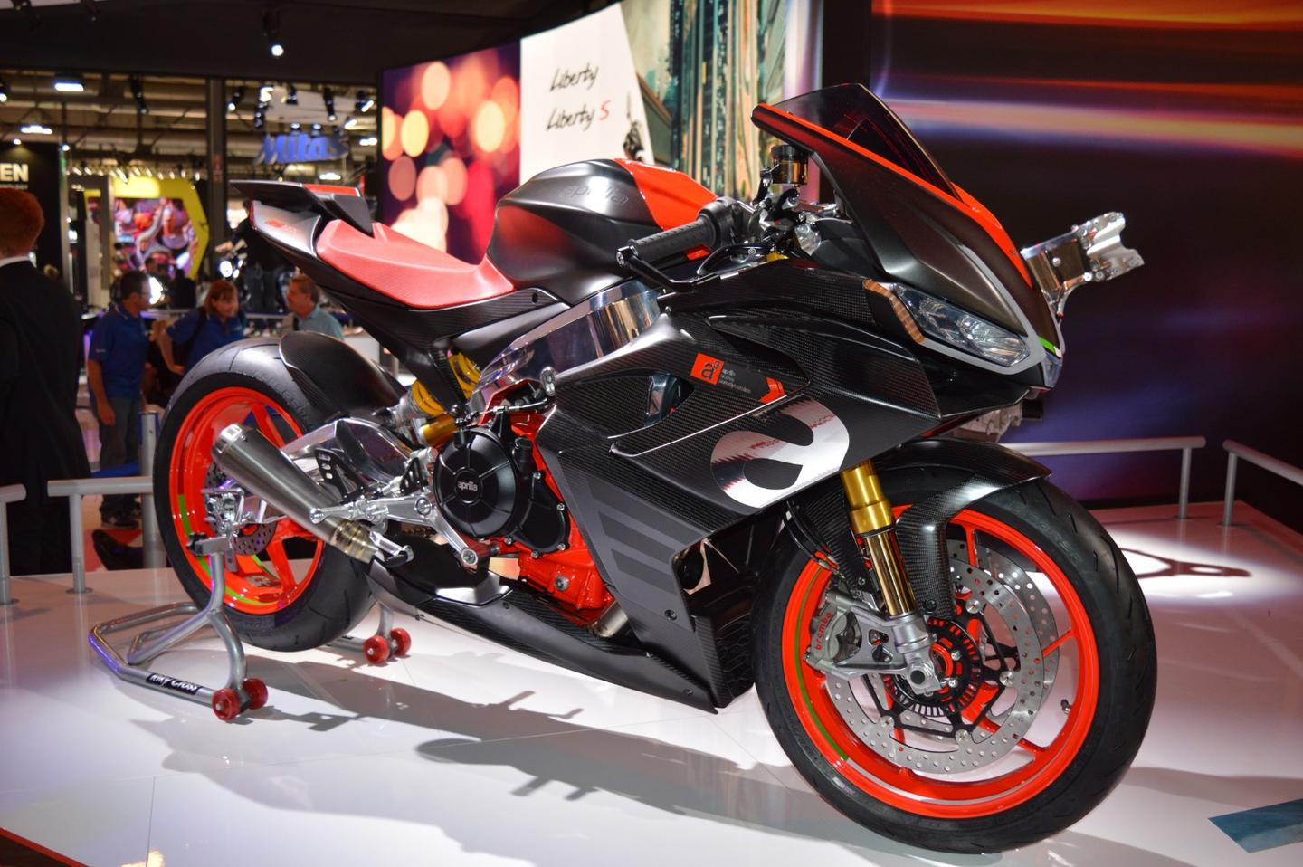The Concept RS 660 previews an upcoming mid-level model family built around an in-line twin engine born out of the front cylinder bank of Aprilia's V4 superbike
