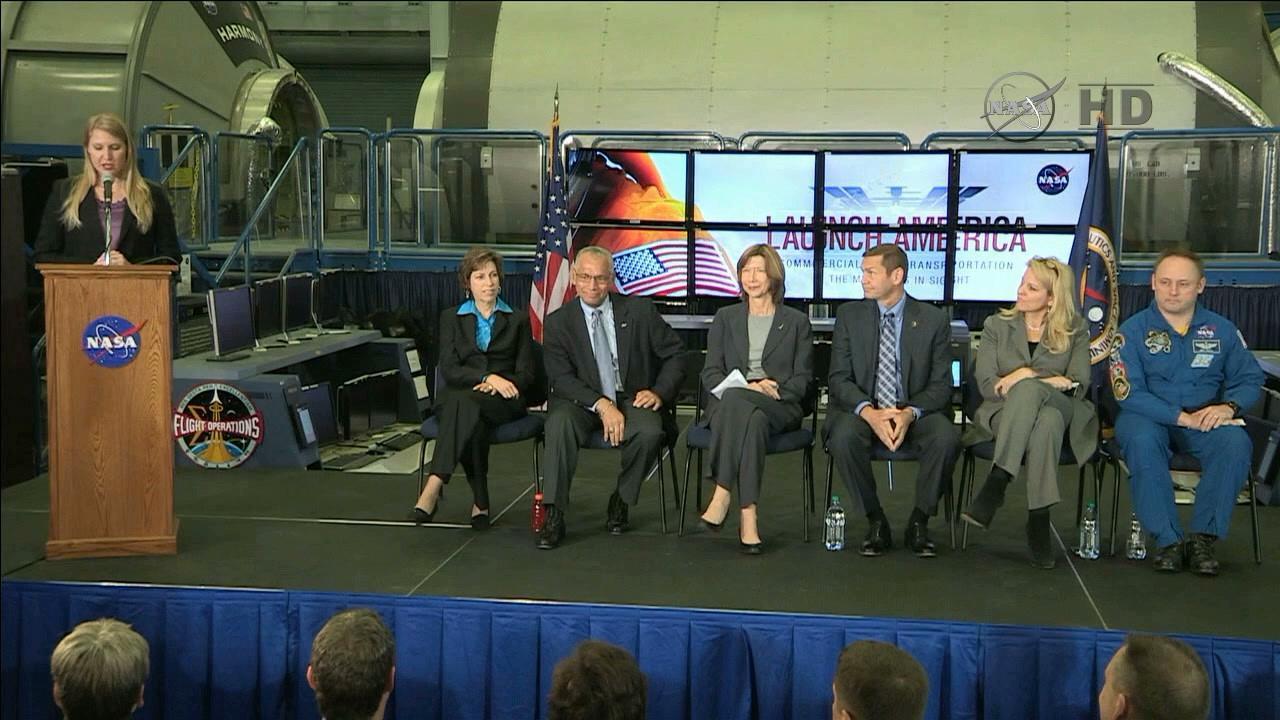 NASA's Stephanie Schierholz introduces the panel of NASA and commercial representatives (Photo: NASA TV)