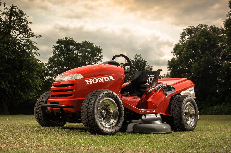 Honda stuffed a 1000cc engine from a Honda VTR Firestorm motorcycle into the custom chromoly framed beasty