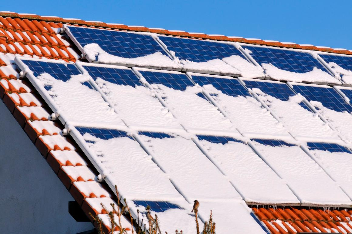 A new nanogenerator could harvest energy directly from snow, helping solar panels deal with wintry conditions