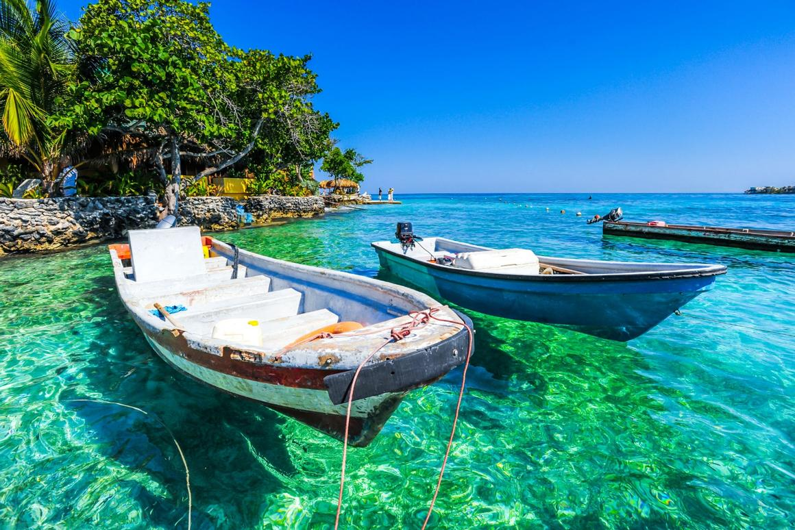 Off the coast of Cartagena, the Rosario Islands (Islas del Rosario) are a popular day trip and worlds away from the bustling city life