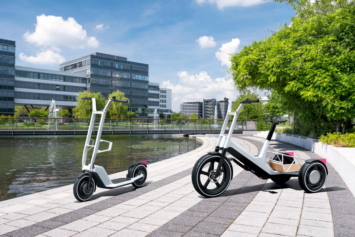 The Clever Commute (left) and Dynamic Cargo (right) are the latest micromobility concepts from BMW Group Research