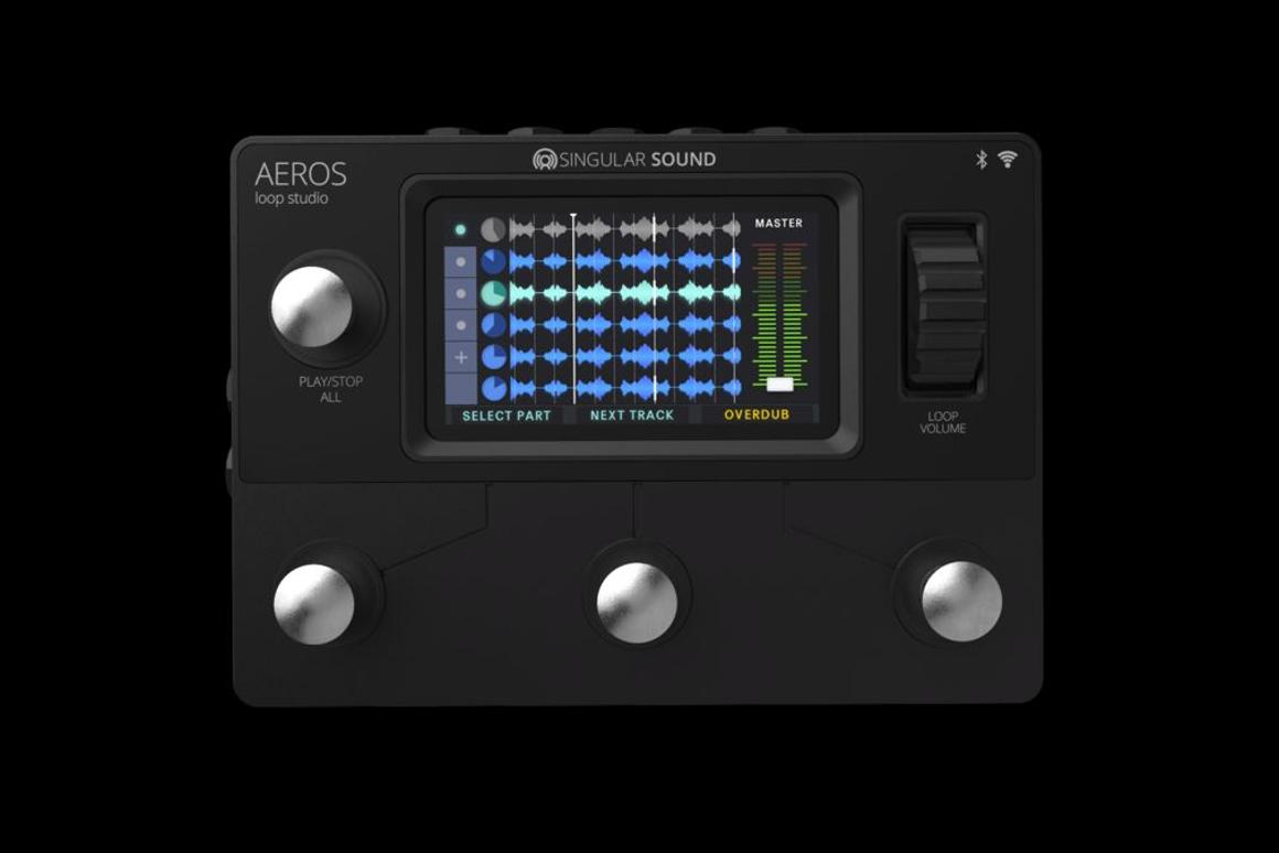 The Aeros Loop Station is a six track looper withsimultaneous parallel and sequential looping, and a scrollwheel for mixing by foot during a performance