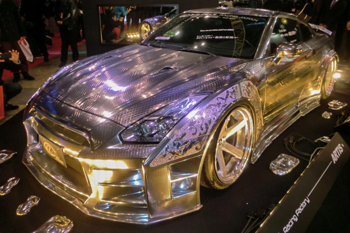 This amazing bodywork on this Nissan GTR from Kuhl-racing uses 3D paint – it won the best in show gold award (Photo: Stephen Clemenger/Gizmag.com)