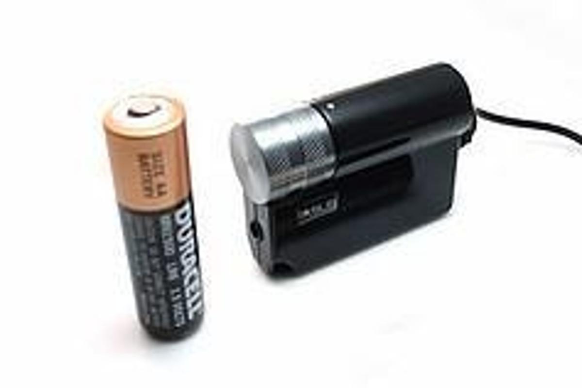 Diminutive IASUS Mobile Amp