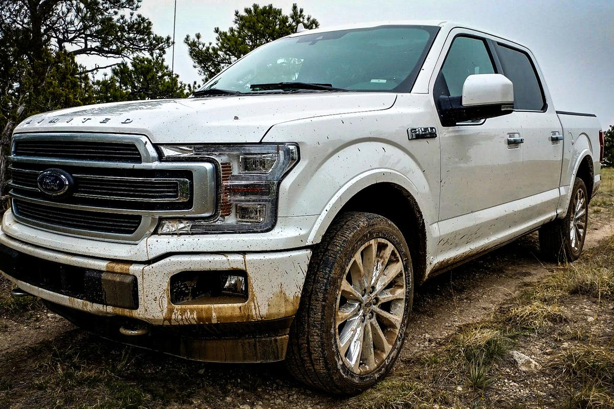 The Limited runs on 22-inch wheels and hasthe 450-horsepower (336 kW) turbocharged 3.5-liter engine from the Raptor, plus a larger fuel tank