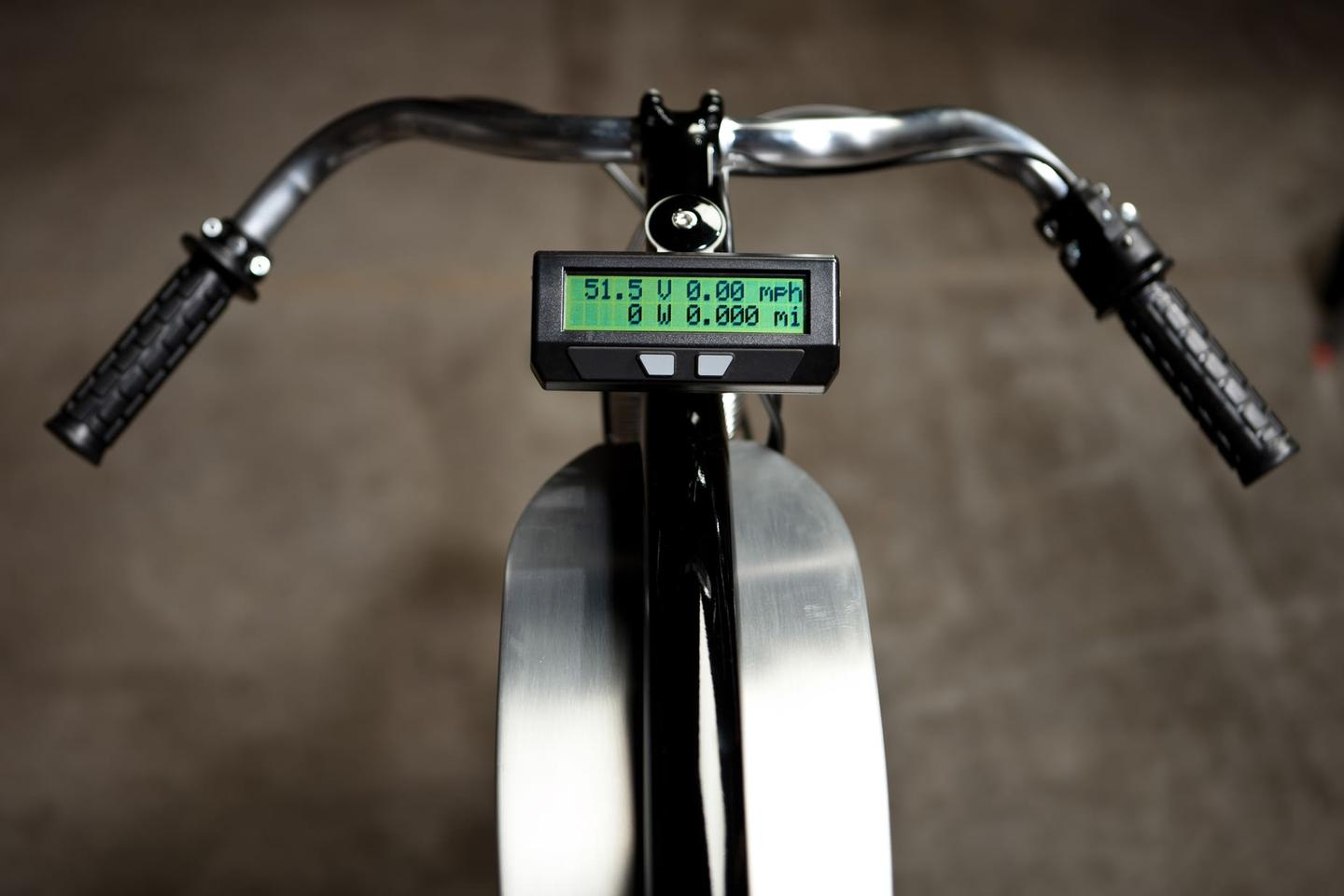Analyst E-bike computer provides important riding information such as battery range, speed, distance and net energy