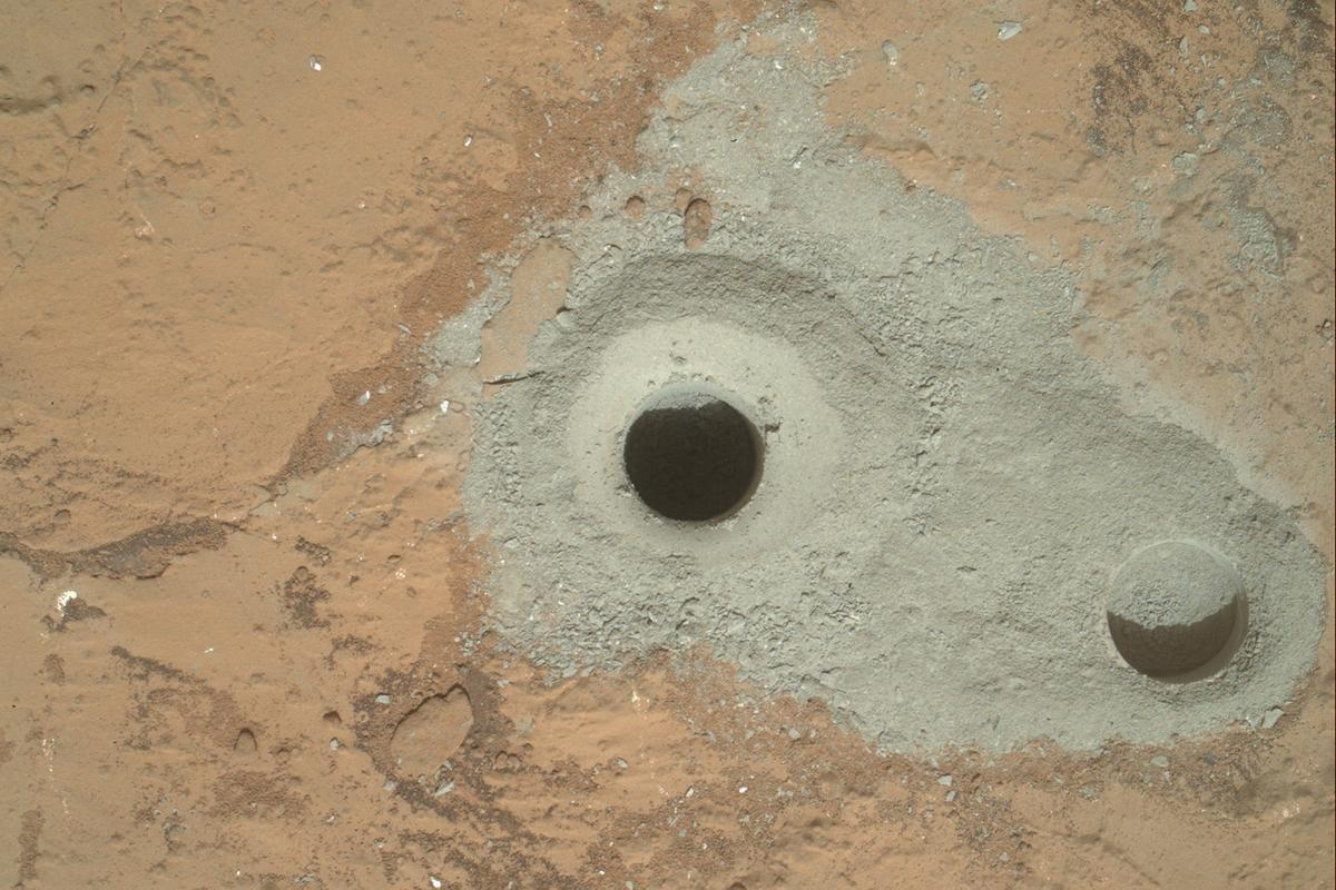 First sample drill hole made by Curiosity (Image: NASA/JPL-Caltech/MSSS)