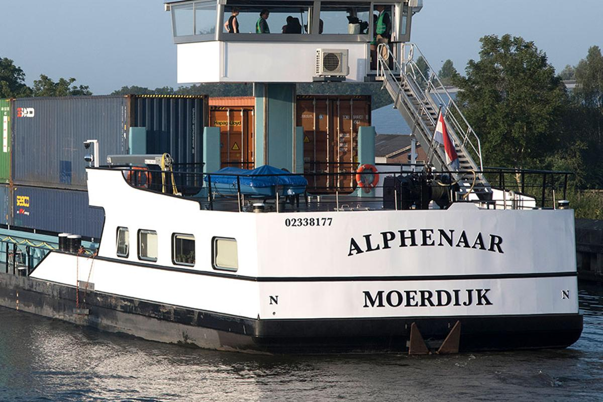 A ship by the name of Alphenaar was the first to be fitted out with ZES's energy system