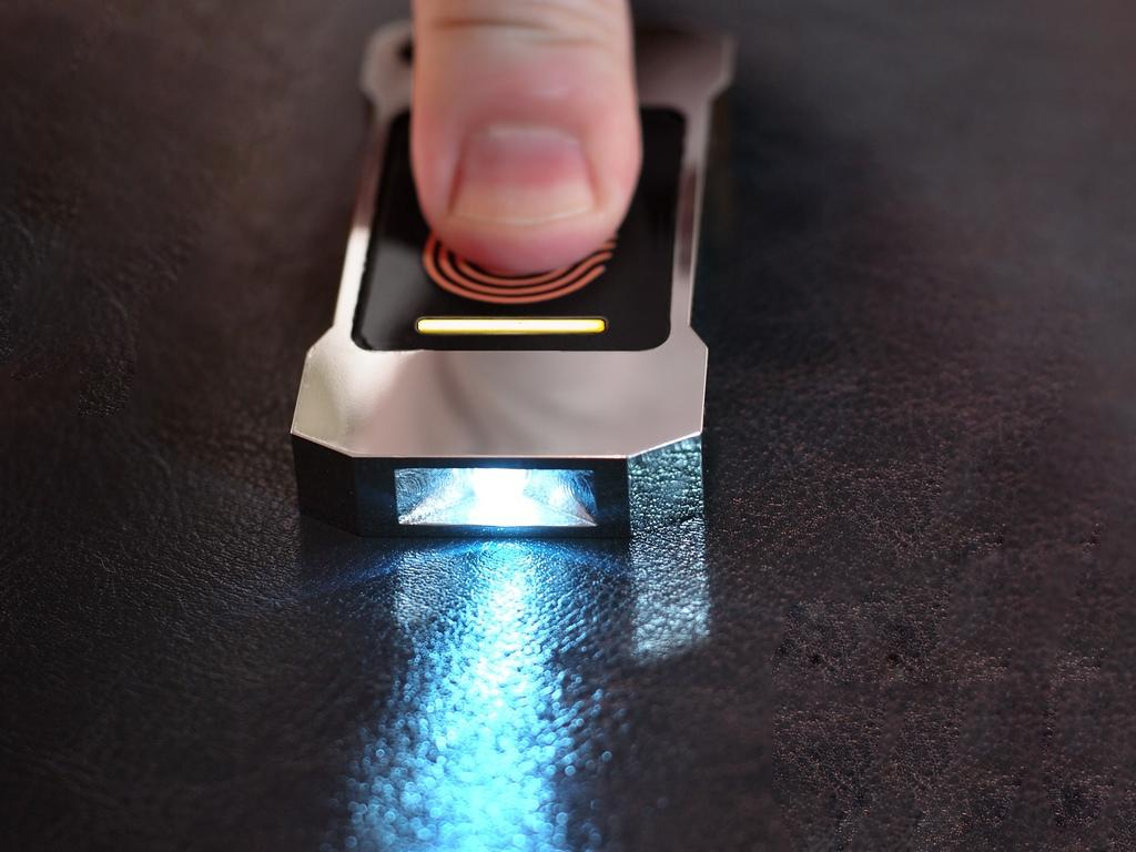 The Lumen flashlight uses a thermoelectric generator to transform body heat into electricity to power an LED
