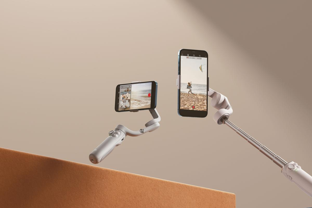 The built-in extension rod allows for the creation of dynamic angles and wide-angle selfie possibilities