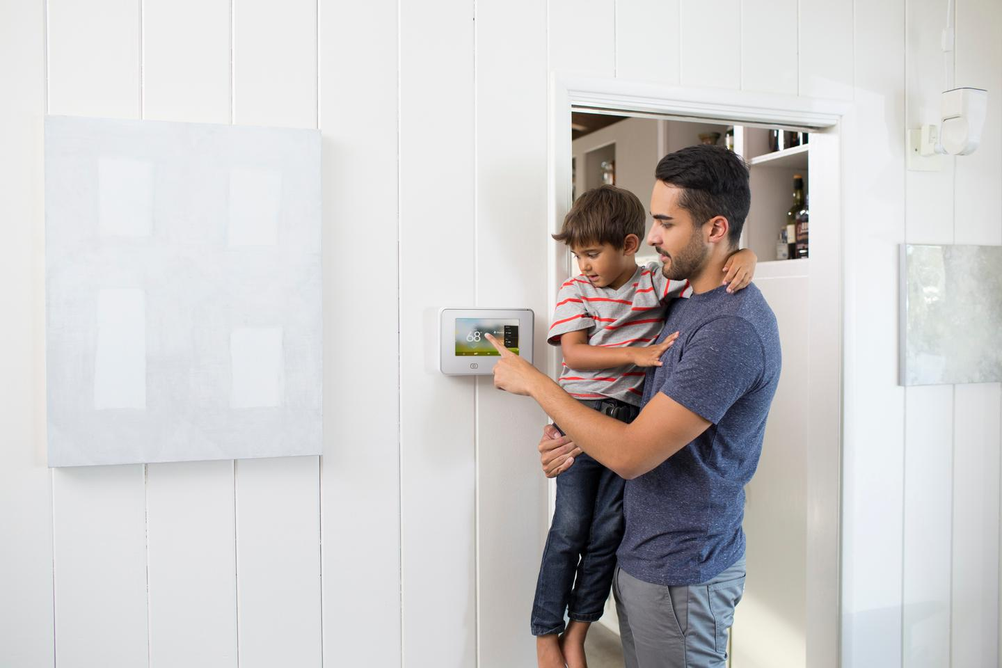 At the heart of the Vivint Sky system is a wall-mounted, 7-inch capacitive touch display