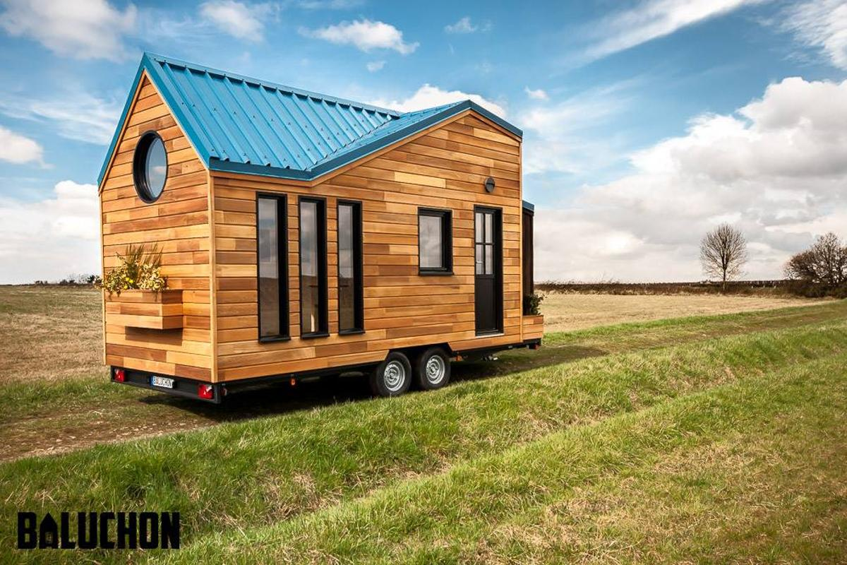 We've no word on the price for this model, but Baluchon's tiny houses typically start at €60,000 (roughly US$65,000)