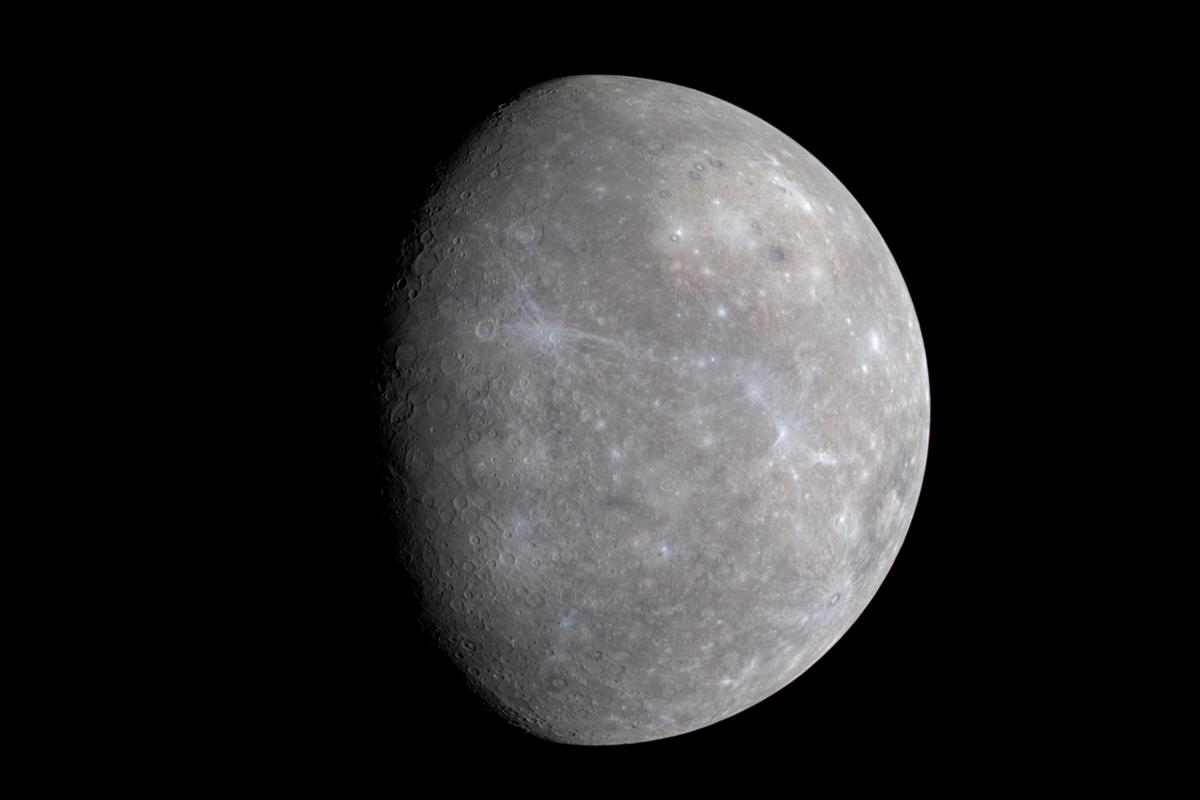 A true color image of Mercury, snapped by MESSENGER