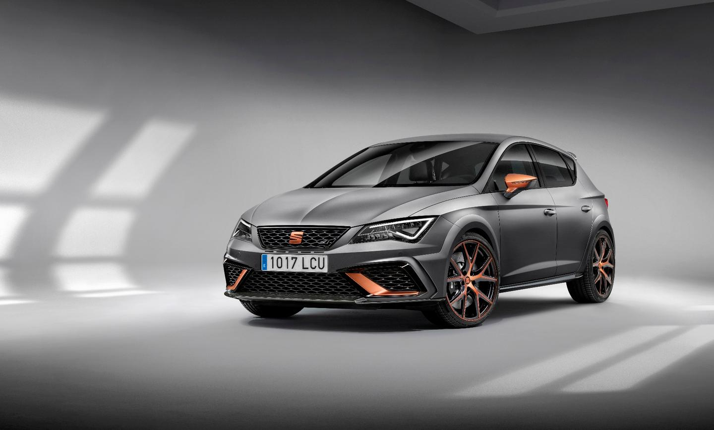 The new Seat Leon Cupra R will debut in Frankfurt