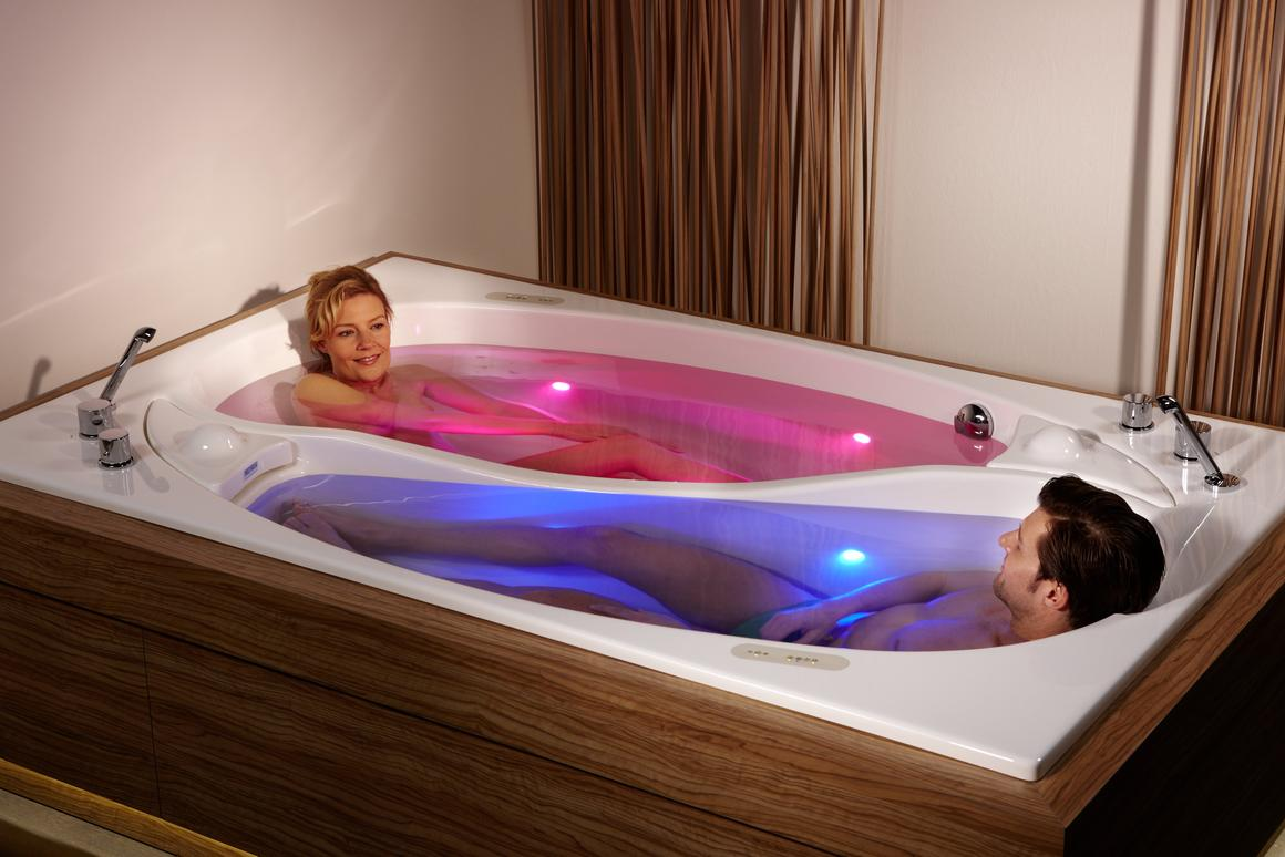 The Yin Yang couple bath – no more arguing over who gets the back rest (Photo: Trautwein)