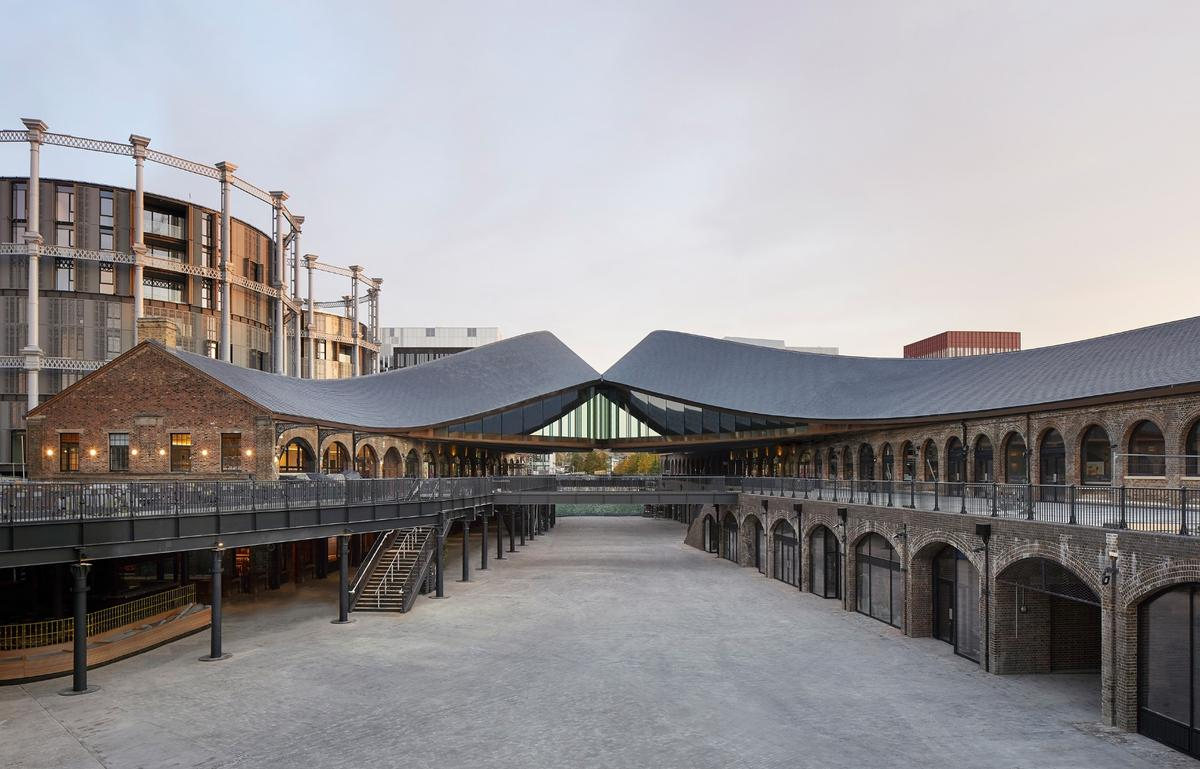 In anice touch, the 80,000 slate tiles that top Coal Drops Yard'sroofwere drawn from the same slate quarry in North Wales that were used on theoriginal 1850sbuildings