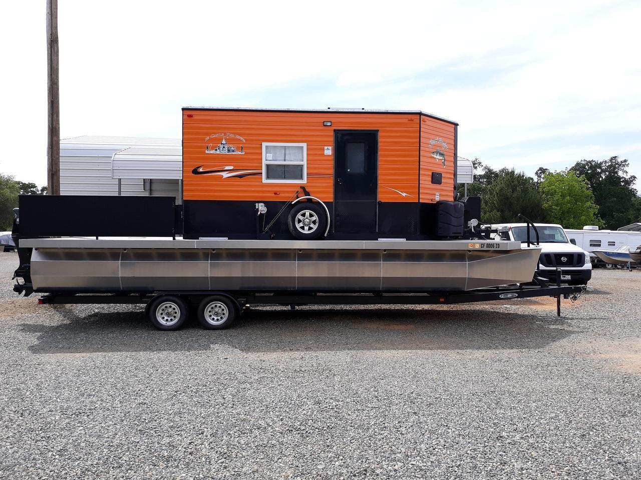 The Heidi-Ho is based on a 30 ft (9.1 m) pontoon boat