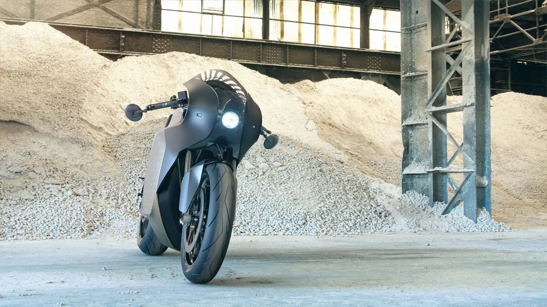 Saroléa Manx7: carbon bodywork and single round headlight