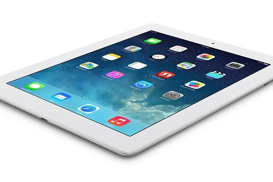 """Apple's """"iPad with Retina Display"""" (late 2012) is finally putting the three-year-old iPad 2 to rest"""