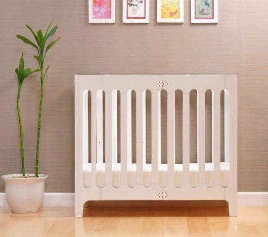 Alma crib is designed for babies from birth to newborn