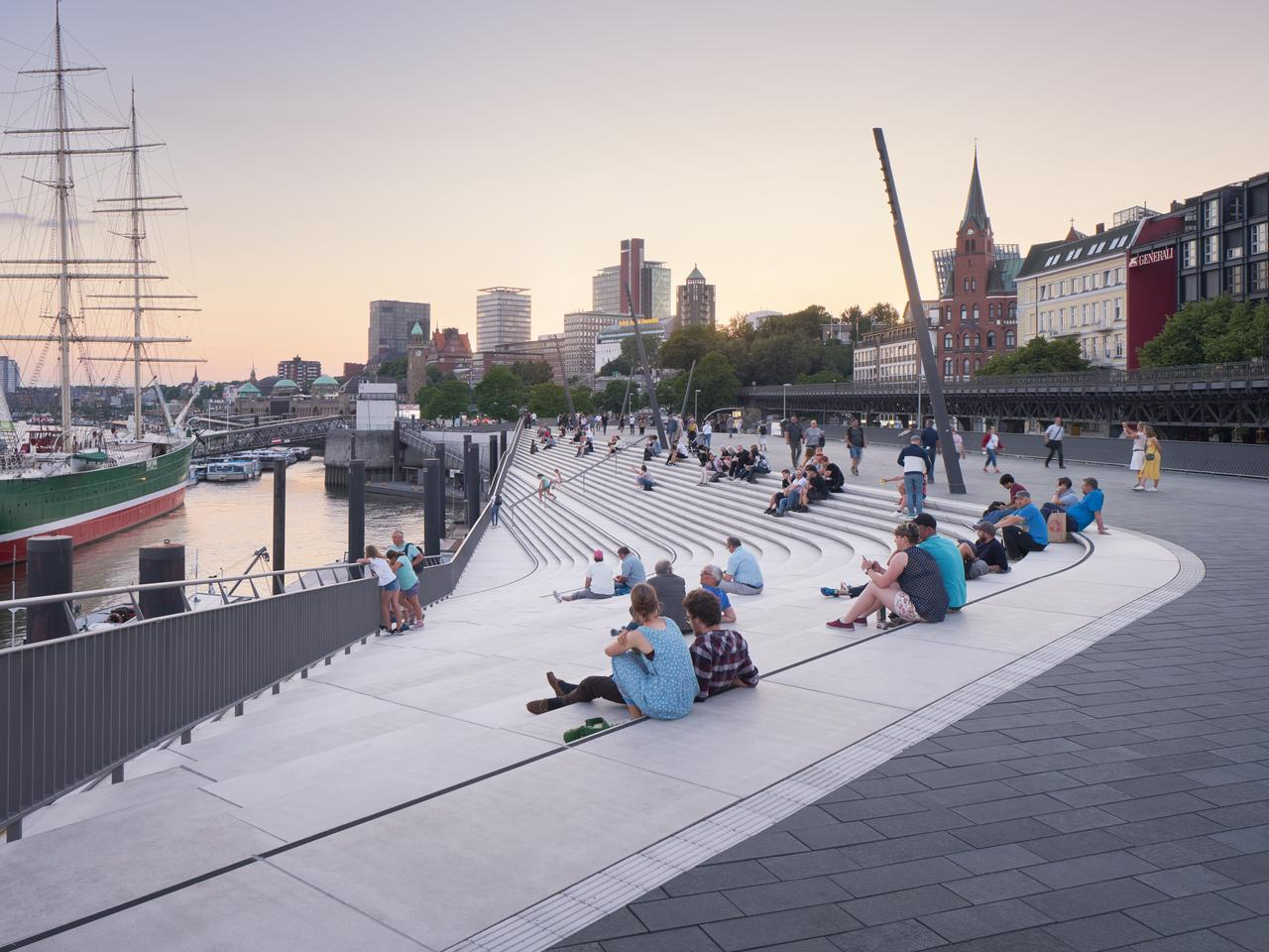 The Niederhafen River Promenade project is the result of an architecture competition