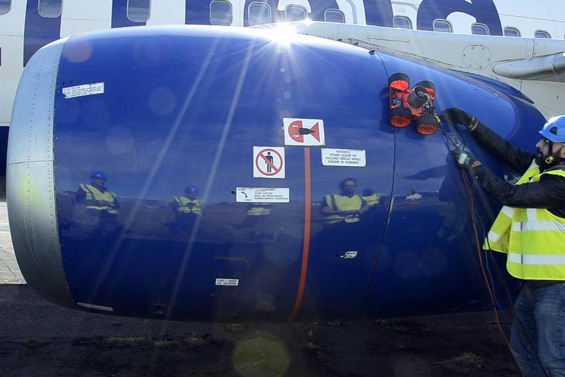 The Vortex Robot moves across the engine cover of a Boeing 737