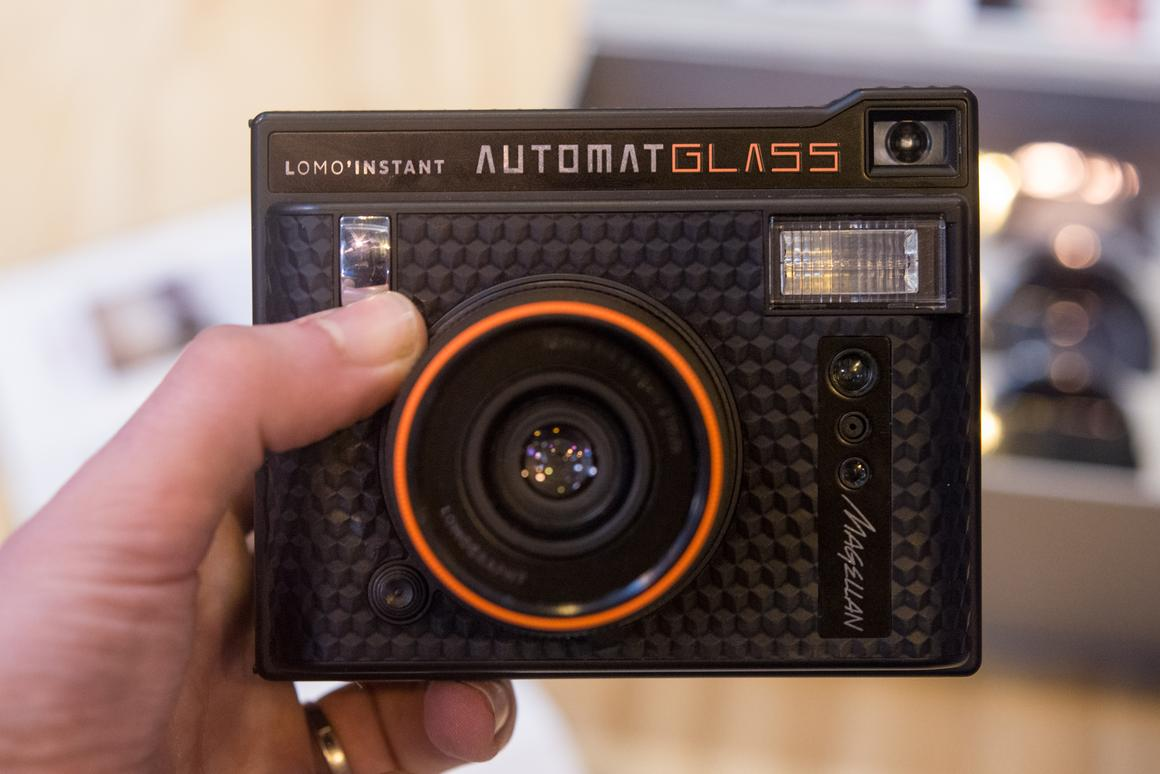 We got to take a look at the upcoming  Lomo'Instant Automat Glass Magellan ahead of its release