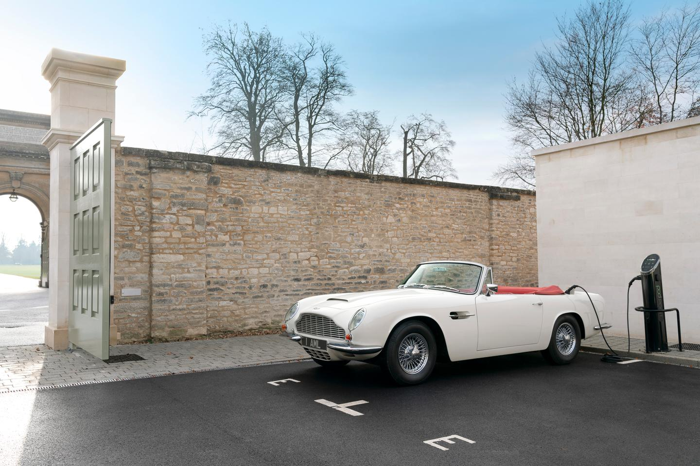 The first car to use the system is a 1970 Aston Martin DB6 MkII Volante – photos of the actual hardware have yet to be provided