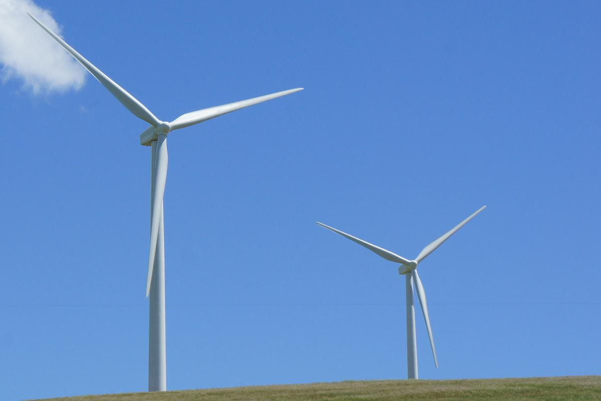 Carbon nanotube-reinforced polyurethane could make for lighter and more durable wind turbine blades (Image: Gizmag)