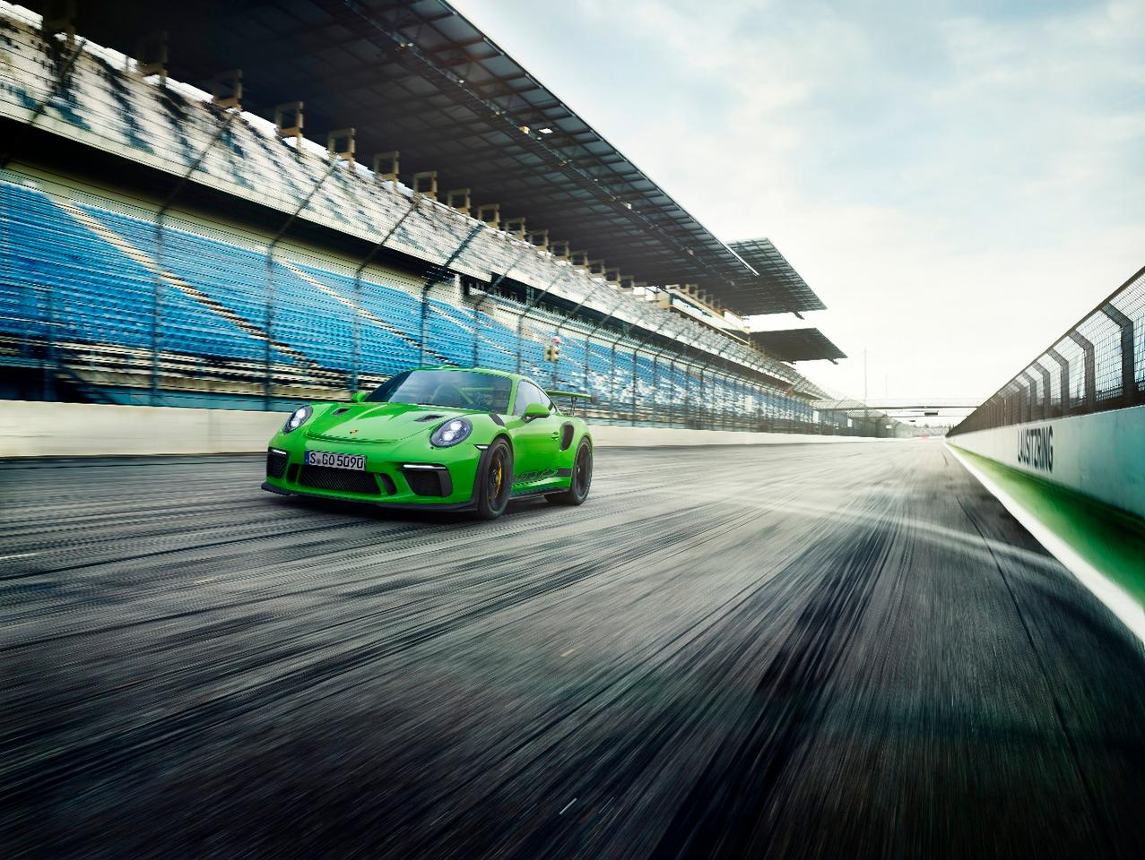 2018 Porsche 911 GT3 RS: lighter and faster, that's the recipe
