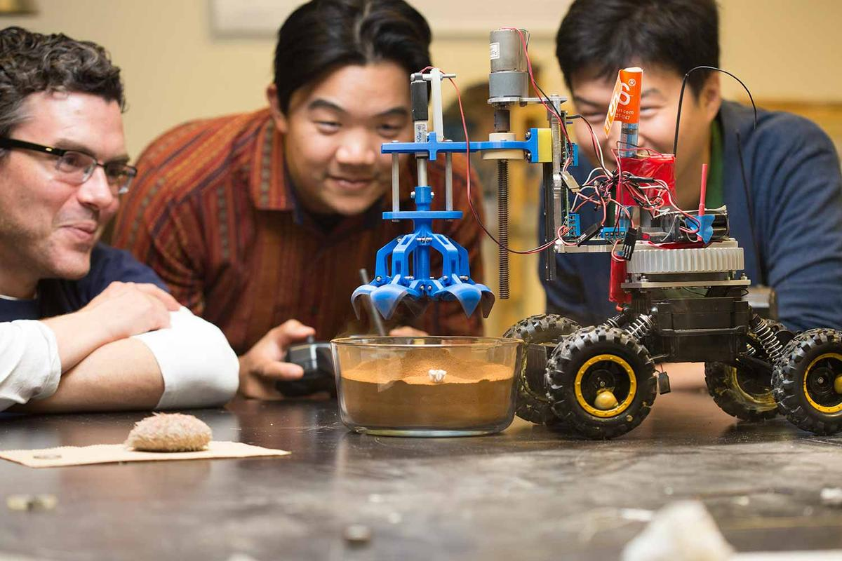 Researchers tested the claw-like device on a Mars soil simulant
