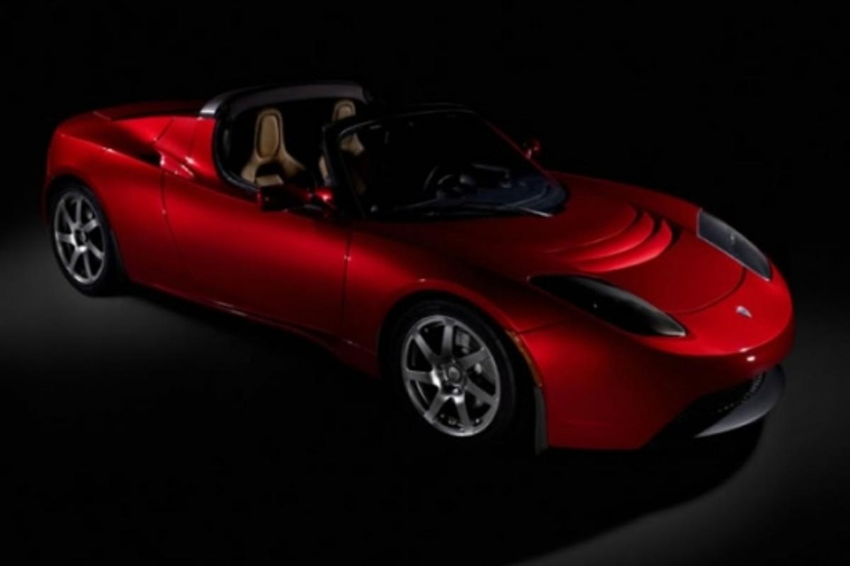 The 2008 fully-electric Tesla Roadster has just gone into production.