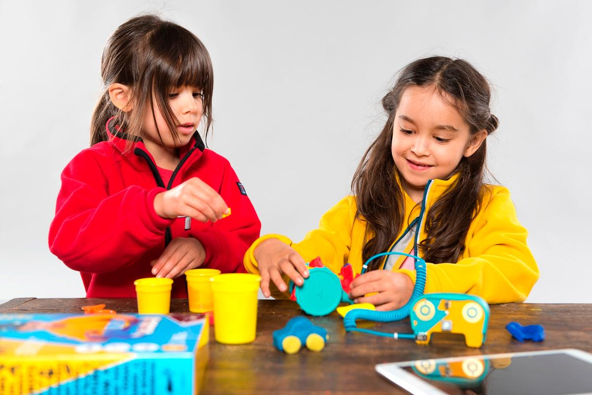 The Dough Universe is a set of electricity-conducting play dough kits that light up, make noise or move to teach kids about constructing circuits