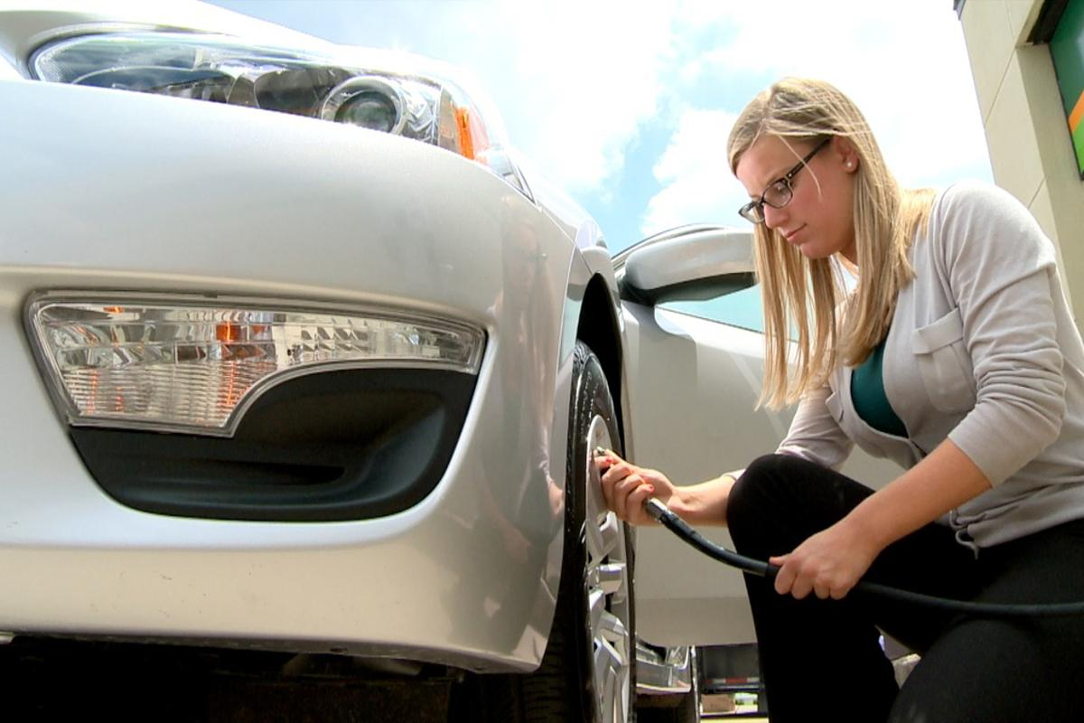 No more pressure gauges - Easy Fill Tire Alert uses your car's horn to let you know the tire is full