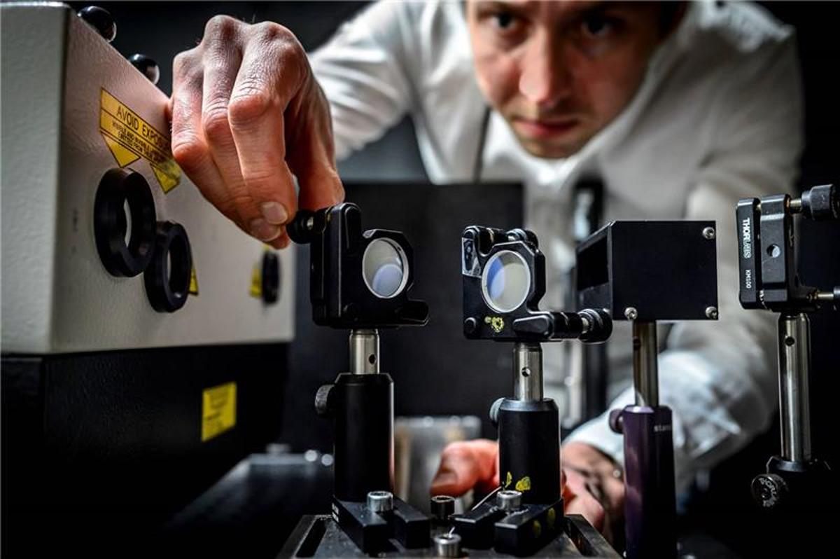 The world's fastest film camera can now record some five trillion frames per second.