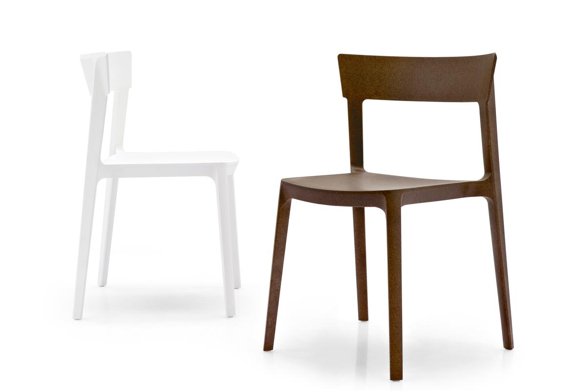SKIN is Calligaris' first product made by molding Liquid Wood