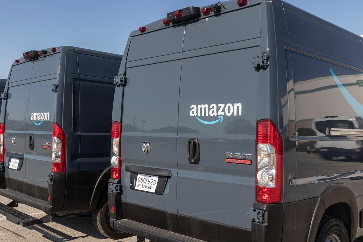 Amazon has patented a system where delivery vans could unleash and control fleets of robots to deliver goods