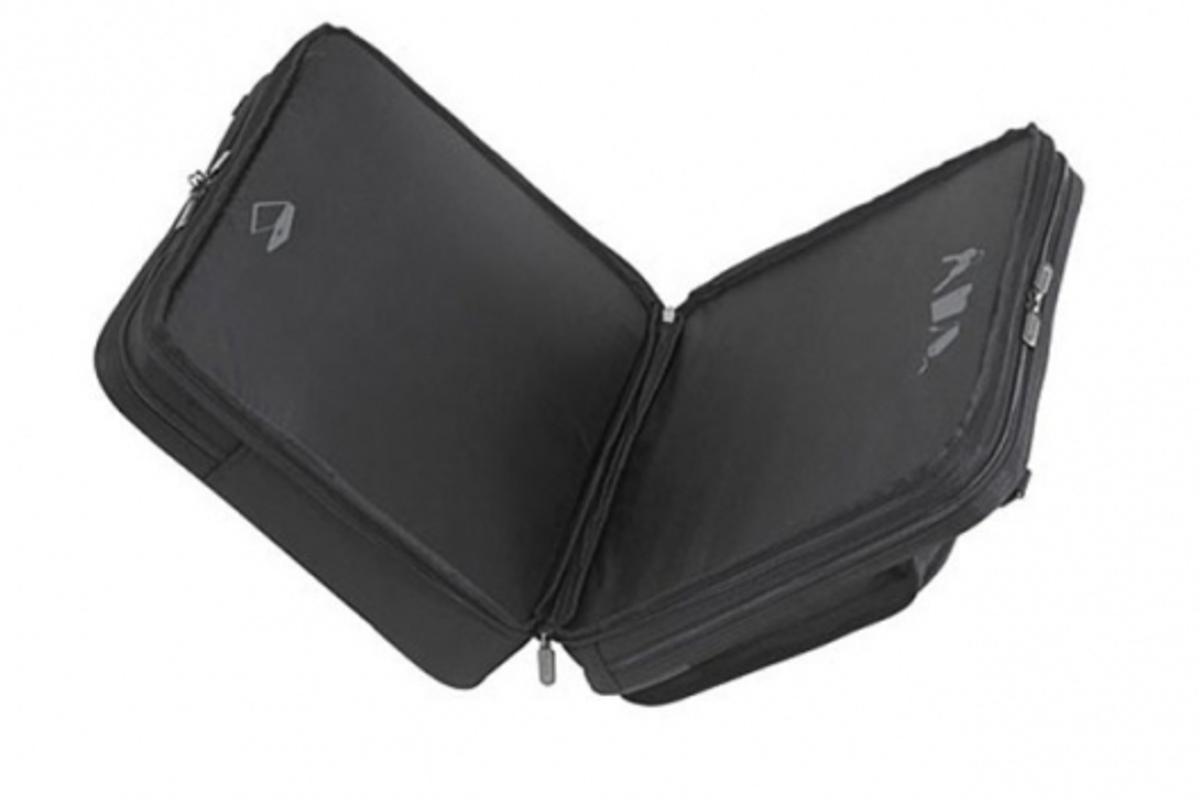 Targus zip-thru laptop case allows a quick trip through airport security checks.